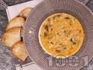 Рецепта Вкусна спаначена супа с фиде и застройка от кисело мляко и яйце